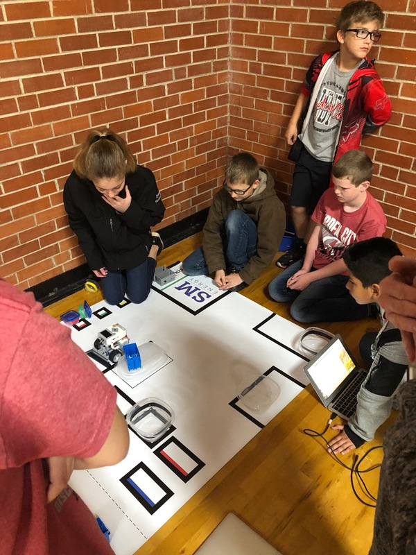 Pics of GC Elementary Robotics Team at Midland High Practice Meet 3/23/19